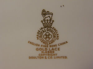 Royal Doulton China Gold Lace H.4989 Service for 12 Discontinued Kingston Kingston Area image 7