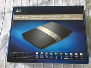 Linksys E4200 Maximum Performance Dual-Band N Router
