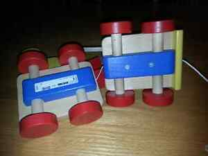 Solid wood pull toy crane with magnetic blocks Kitchener / Waterloo Kitchener Area image 3
