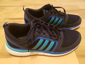 Adidas womans runners 8.5