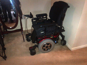 600 Quantum electric wheelchair (four wheels)