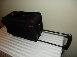 Carry-on suitcase (Black) Windsor Region Ontario image 3