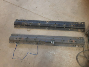 Reese 15000 pound 5th wheel hitch and rails