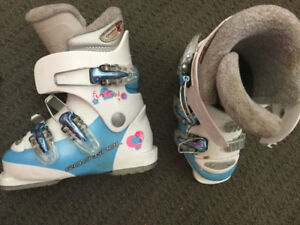 Good Condition Rossingnal Kids Ski BootsSize 227 mm.