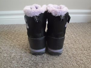 3M Thinsulate Black and Purple Winter Boots Size 8 Lightly Used London Ontario image 3