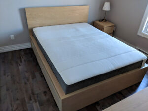 Queen bed with spring mattress