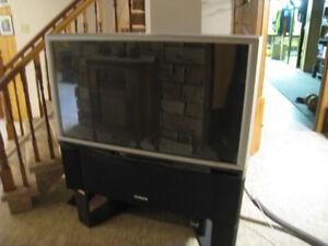 """Hitachi 46"""" TV"""