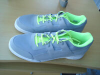 Mens size 12 Reebok shoes New