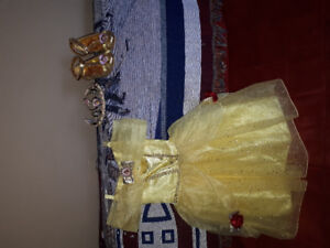 Like new complete Belle costume size 3T