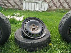 VW 15inch/pouce rims/roue with tires