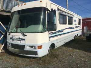 36 ' Moterhome Tropacal by National. 1998.