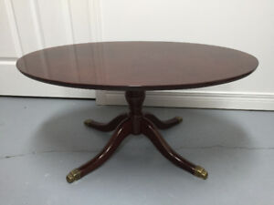 Table ovale.