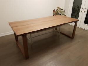 solid oak wood dining table