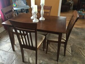 5 Piece Table Set - Willing to Deliver!