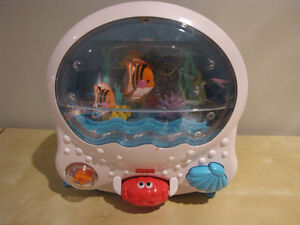Fisher-Price Ocean Wonders Aquarium - Musical Crib Toy