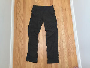 Women's lululemon Pant (Street-to-Studio) - Size 8 (fits like 6)
