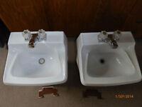 Lavabo porcelaine & Ensemble salle de bain en porcelaine