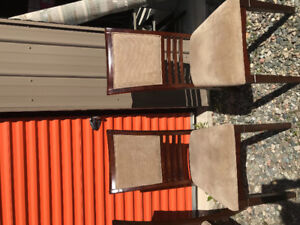 Brown dinette set with 4 chairs