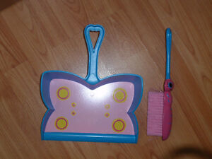 Melissa and Doug butterfly dustpan & brush