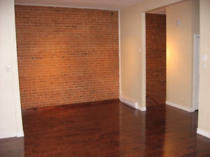 Apartment for rent in Pt. St. Charles