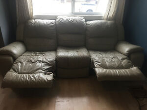 Free couch first come first serve