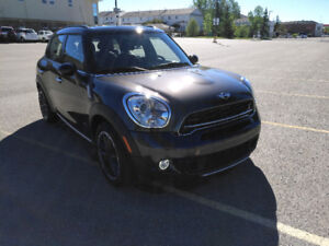 2015 mini Cooper S countryman All4 super LOW km