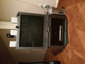 """32"""" Sony Tube TV with Stand"""