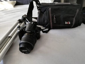Nikon D5000 Almost never used. Lens, Tripod, Bag and charger!