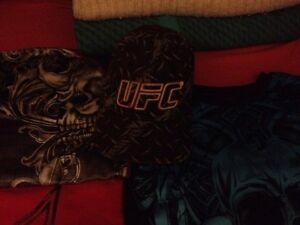 UFC and TAPOUT clothing, belt buckle and hat Gatineau Ottawa / Gatineau Area image 3