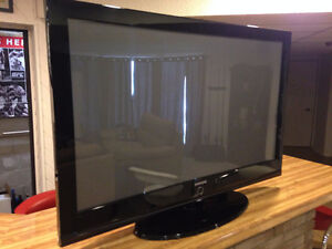 50 In Plasma HD w/ Stand and Remote