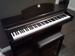 Yamaha Clavinova CLP 920 Electric Piano w/ Stool