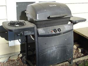 Char-Broil BBQ w/Sideburner- PICKUP FREE