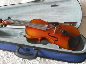 4/4 Bellefina Violin / Fiddle