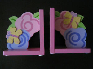 Wooden bookends for girl's room