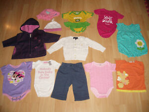 LOT - 25 - items of clothes for FILLE - Girl ----- size 3 - 12 m