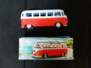 LAURIE TOYS 605 PLASTIC VOLKSWAGEN MINI BUS FRICTION MOTOR