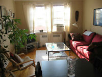 LARGE, BRIGHT 4 1⁄2 in NDG - $880/mth Heat incl.!!!