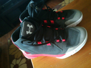 Basketball shoes size 5.5 Y