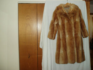 LADIES  GOLDEN MUSKRAT FUR COAT