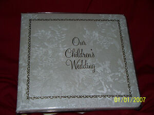 Wedding album (for parents to put children's wedding photos)