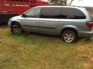 2003 Dodge Caravan For Sale For Repair or Parts Only Strathcona County Edmonton Area image 1