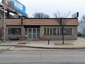 Office/Retail - Provencher Blvd - Ideal Location Close to Forks