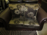 BEAUTIFULLY DESIGNED FABRIC LOVE SEAT ON CLEARANCE!!