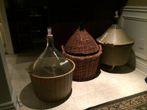 Size is 54 liters ITALIAN WINE DAMIGIANA Demijohn carboy Demi-Jo
