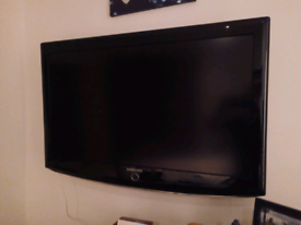 "Samsung LE37R87BD 37"" TV and mount"