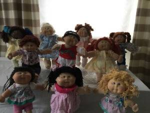 Cabbage patch and assorted dolls