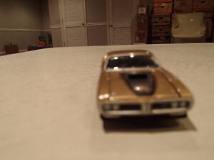 Loose Greenlight AUCTION BLOCK - 1971 '71 DODGE CHARGER R/T Gold Sarnia Sarnia Area image 6