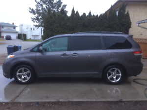 2011 Toyota Sienna LE - GREAT DEAL @ $16,250 FIRM