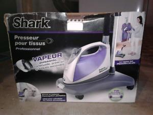 Shark Fabric Steamer