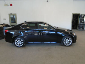 2011 LEXUS IS250 AWD! BLACK ON BLACK! 95,000KMS! ONLY $17,900!!!